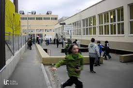 Alunna si ferisce mentre va in bagno, condannato docente a 6.800 euro di risarcimento