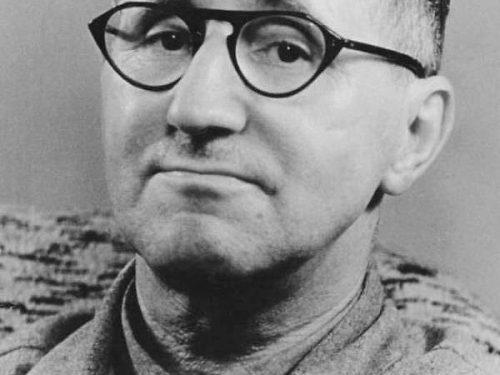 """Liberamente tratto da """"Prima di tutto vennero a prendere gli zingari"""" attribuita a Bertolt Brecht"""